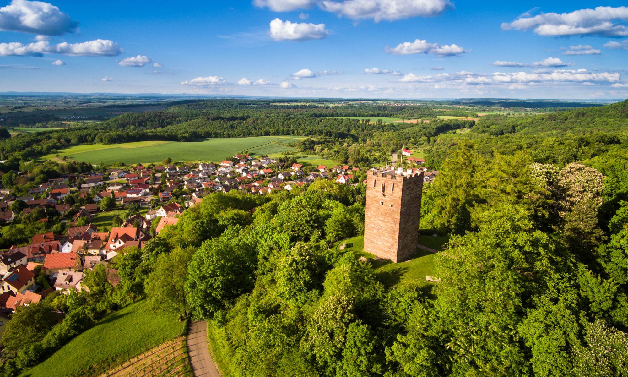 Luftbild Schlossberg Turm Sternenfels